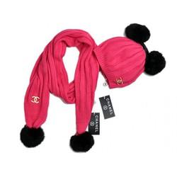 Яркий женскийнабор шапка и шарф Chanel